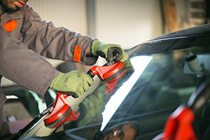 auto glass repair service